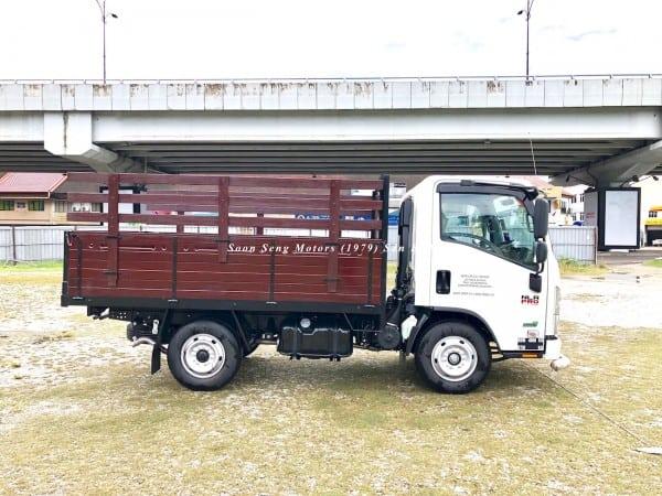 Isuzu NLR77UEE-Wooden Cargo lorry