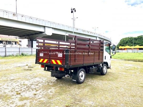 Isuzu NLR77UEE-Wooden Cargo lori
