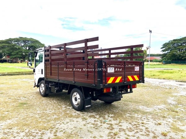 Isuzu NLR77UEE-Wooden Cargo malaysia