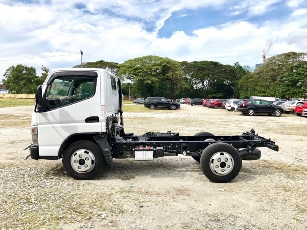 Fuso FE71PE chassis 2