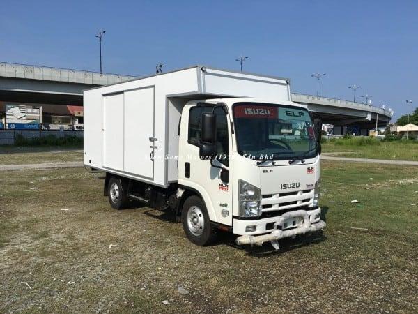 Isuzu NLR77 ubs-Luton Fiber Box Van kelantan