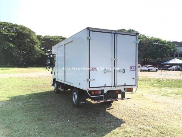 Isuzu NLR77 ubs-Luton Fiber Box Van malaysia