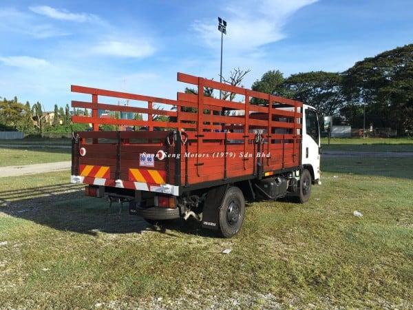 Isuzu NLR77UEE UBS-Wooden Cargo 13 feet back