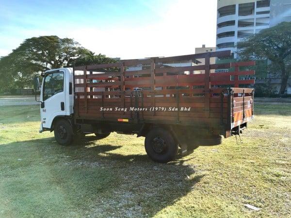 Isuzu NLR77UEE UBS-Wooden Cargo 13 feet malaysia