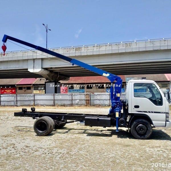 Isuzu NPR70 cargo crane truck_tadano tm20-zh