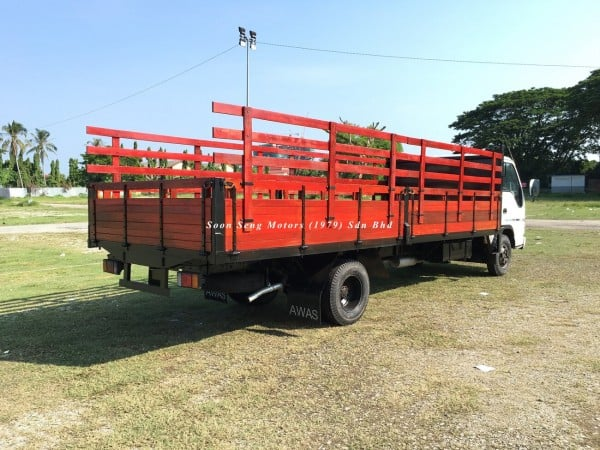 Isuzu NPR71P-wooden cargo 20 feet