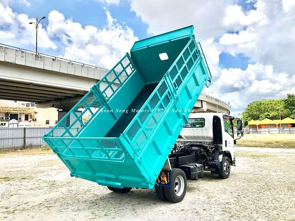 NPR75UHL STEEL TIPPER WITH WIRE MESH SIDE IRON RAILING